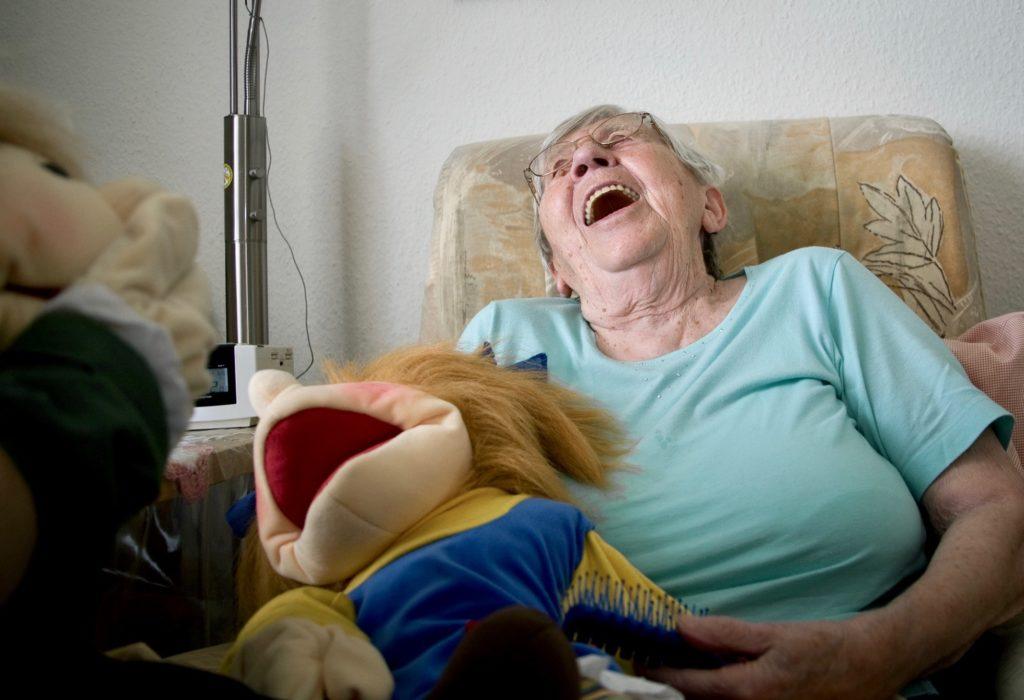 Handpuppen (Living Puppets) in der Altenpflege